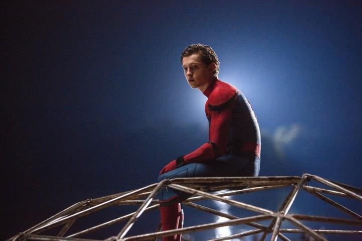 Peter Parker_AlphaCoders.com